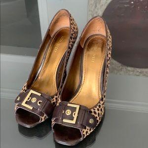 Nine West high heel leopard looking shoes
